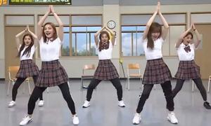 Red Velvet lần đầu 'bung lụa' nhảy Power Up trên truyền hình