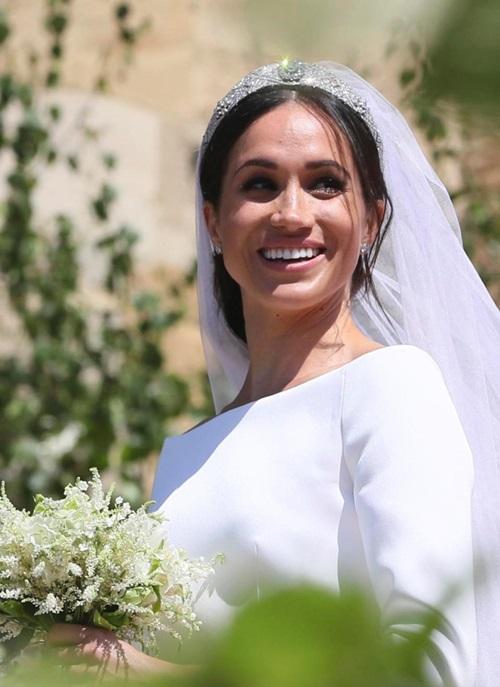 Đối với Hoàng tử Harry, Meghan đã có một diện mạo chân thực, tự nhiên,đúng với con người cô ấy trong ngày cưới.