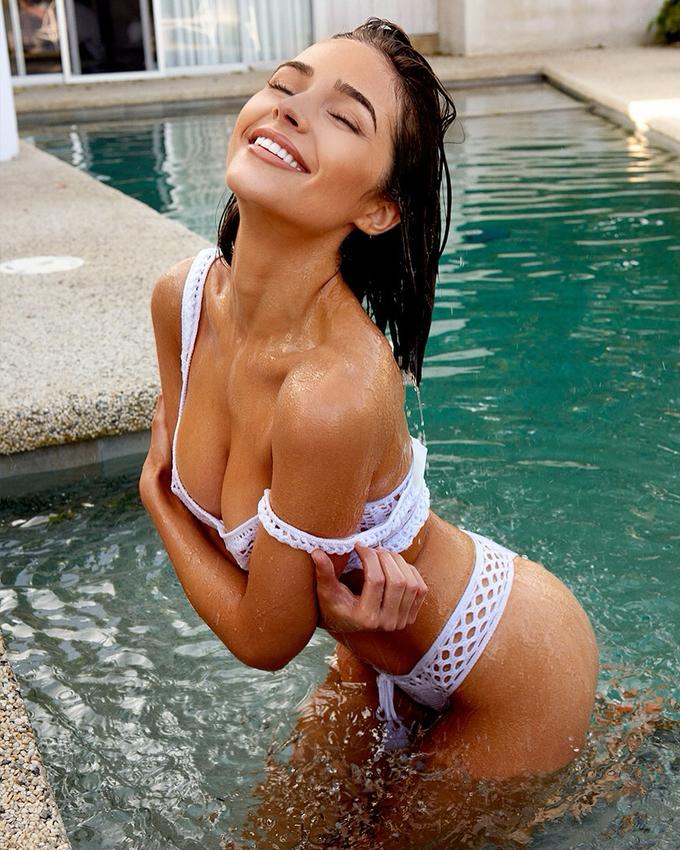 <p> 6 năm hậu đăng quang Miss Universe, Olivia Culpo vẫn duy trì được độ nóng nhờ xây dựng hình ảnh gợi cảm, quyến rũ. Trang cá nhân đầy khoảnh khắc nóng bỏng của mỹ nữ 26 tuổi thu hút gần 3 triệu lượt theo dõi.</p>