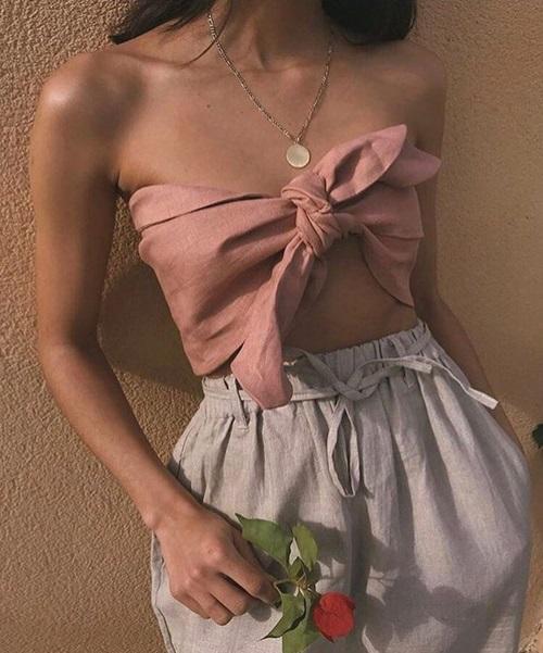 Khi mặc item này, các nàng tha hồ mix match với nhiều trang phục và phụ kiện trendy, phóng khoáng.