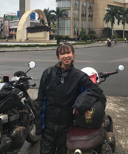Khởi My cùng ông xã Kelvin Khánh đang có chuyến đi phượt khắp Việt Nam bằng xe máy.
