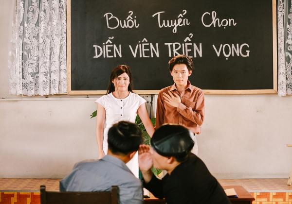 Huỳnh Lập đóng cả hai nhân vật nữ trong MV vì muốn tạo nên nhiều tình huống hài cho khán giả, vừa muốn chứng minh sự biến hóa đa dạng.