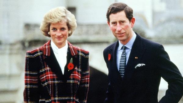 Charles từng ghen tỵ với Diana vì vợ ông luôn là người được báo chí và dư luận quan tâm nhất hoàng gia Anh.
