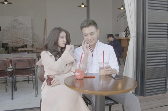 Độ ngọt ngào của cả hai trong MV.