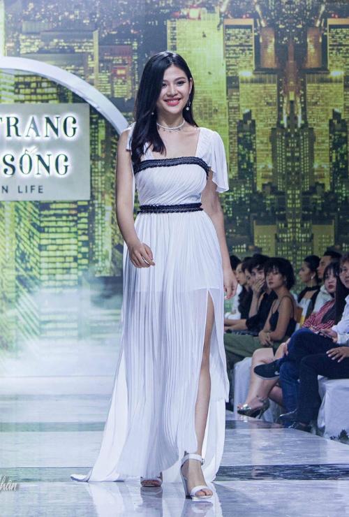 Bí quyết giảm 16kg sau 2 tháng sinh con của Chúng Huyền Thanh - 1