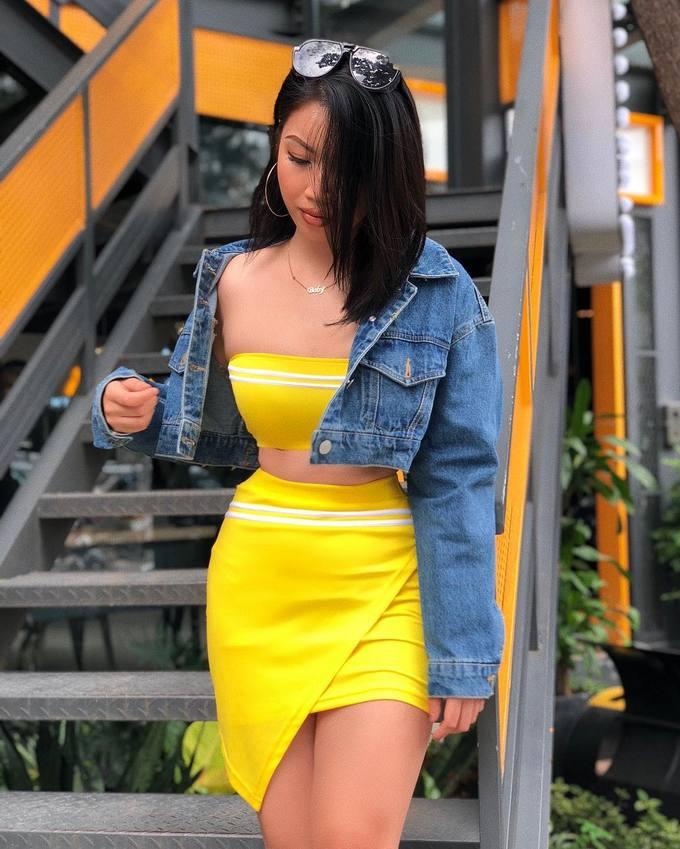 <p> Vẻ đẹp bốc lửa của Amy Chi Chi khiến nhiều người liên tưởng đến nhiều siêu mẫu đình đám của làng mốt như Minh Tú.</p>