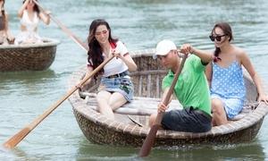 Phan Thị Mơ chèo thuyền thúng, học thả lưới sau đăng quang