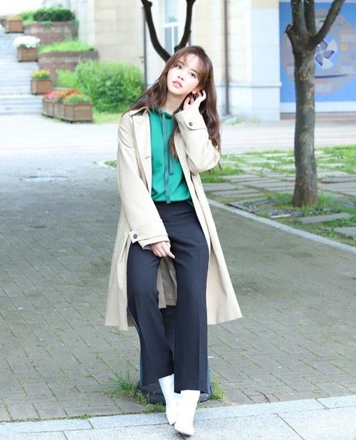 Kim So Hyun tuổi 19 ngày càng chững chạc, ra dáng một quý cô.