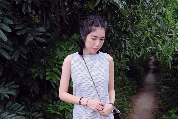 Elly Trần gây bất ngờ với hình ảnh mong manh, giản dị khác hẳn hình tượng sexy quen thuộc.