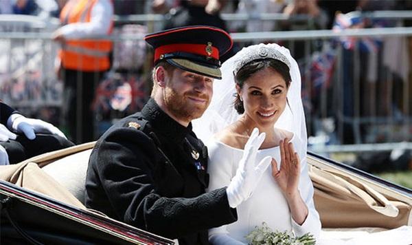 Mối quan hệ với bố đẻ của Meghan rạn nứt liên quan đến việc cô trở thành vợ Hoàng tử Harry.