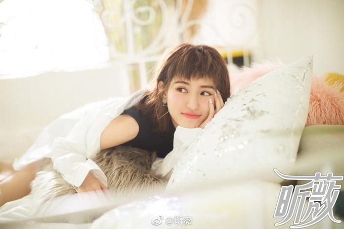 <p> Là ác nữ bị ghét nhất phim nhưng nữ diễn viên Tô Thanh được yêu mến ngoài đời thực nhờ ngoại hình trong sáng, đáng yêu.</p> <p> </p>