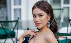 Sao Việt 'nghiện' khoe thân do đâu?