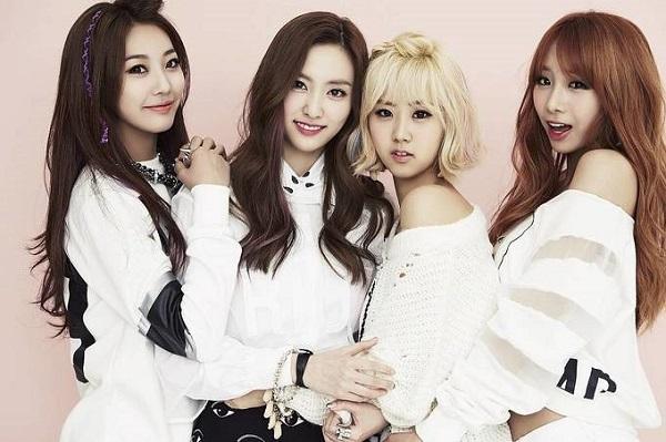 5 nhóm nhạc đồng niên, từng cho BTS hít khói giờ ra sao?