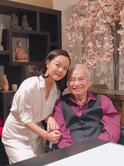 Phạm Quỳnh Anh và nhạc sĩ Lam Phương.