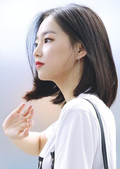 3 màu tóc nâu của idol Hàn giúp da sáng bừng không cần đánh phấn - 8
