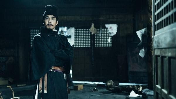 Triệu Hựu Đình được đạo diễn ưu ái với vai chính của bom tấn này.