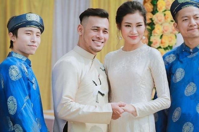 <p> Stylist Pông Chuẩn từng vào tới top 4 cuộc thi Vietnam's Next Top Model 2010. Đầu năm 2018, cựu người mẫu sinh năm 1990 lên xe hoa cùng diễn viên Tùng Min. Đầu tháng 8 vừa qua, trên trang cá nhân, cả hai nhận được nhiều lời chúc mừng từ bạn bè khi vừa đón con đầu lòng.</p>