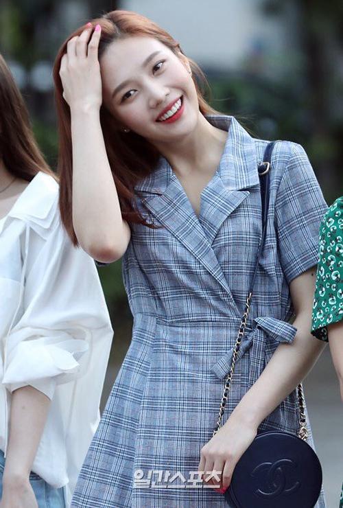 Nụ cười rạng rỡ là điểm thu hút nhất trên gương mặt của Joy.