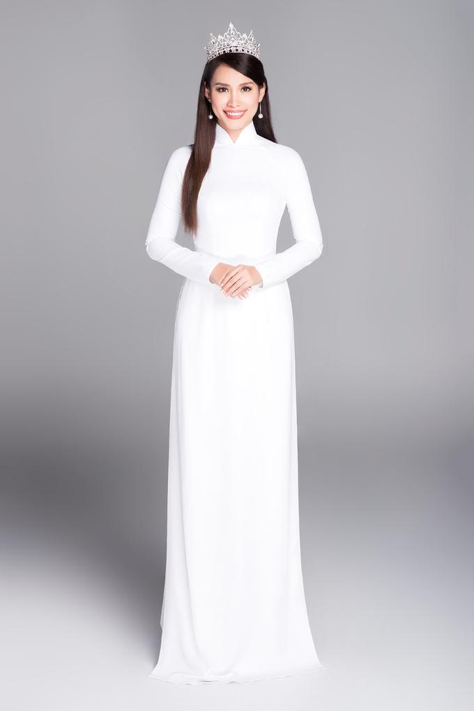 <p> Nguyễn Ngọc Khánh lên ngôi Hoa hậu năm 1998.</p>