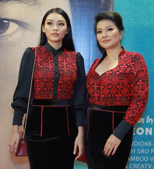 Mẹ con nữ diễn viên Kiều Trinh - Thanh Tú.
