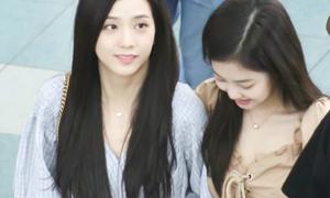 Momo khoe giày độc, Seol Hyun ra sân bay vẫn đẹp như lên tạp chí