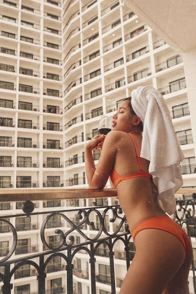 Đồng Ánh Quỳnh diện bikini nóng bỏng