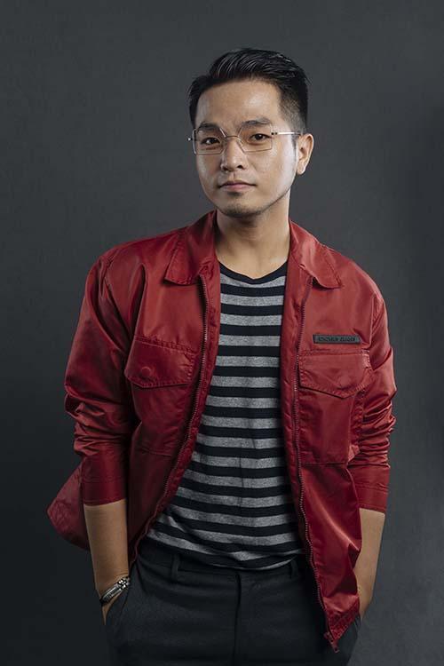 Phạm Hồng Phước là ca sĩ quen mặt với giới trẻ qua các ca khúc Anh sẽ tốt mà, Khi người lớn cô đơn...Anh chàng sở hữu ngoại hình điển trai, kiến thức về âm nhạc...là một ưu thế.