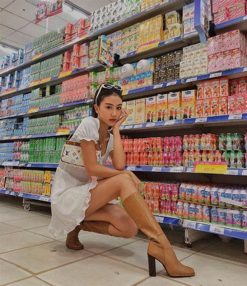 Quỳnh Anh Shyn chất ngất tại siêu thị.