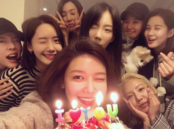 5 girlgroup Kpop vẫn giữ tình bạn bền vững dù đường ai nấy đi
