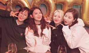 5 girlgroup Kpop vẫn giữ tình bạn bền vững dù 'tan đàn xẻ nghé'