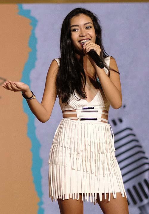 Các thí sinh được đưa vào những tình thế khó xử như gặp gỡ trực tiếp các ngôi sao hạng A tại Hollywood như Mariah Carey, Selena Gomez...