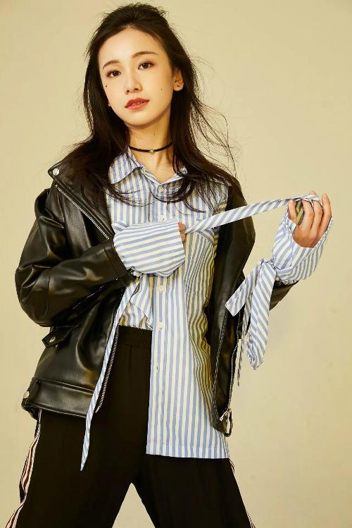 Style hút mắt cũng mang về cho cô một lượng fan lớn trên Weibo cá nhân.