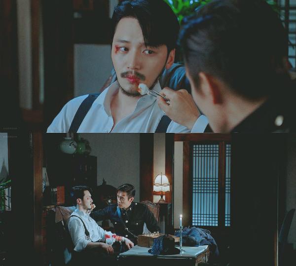 Eugene Choi chăm sóc vết thương cho Kim Hee Sung.