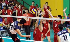 Việt Nam hạ Trung Quốc, 'hot boy bóng chuyền' mới nổi được fan tìm kiếm