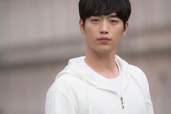 Bạn biết gì về chàng robot điển trai Seo Kang Joon? - 3