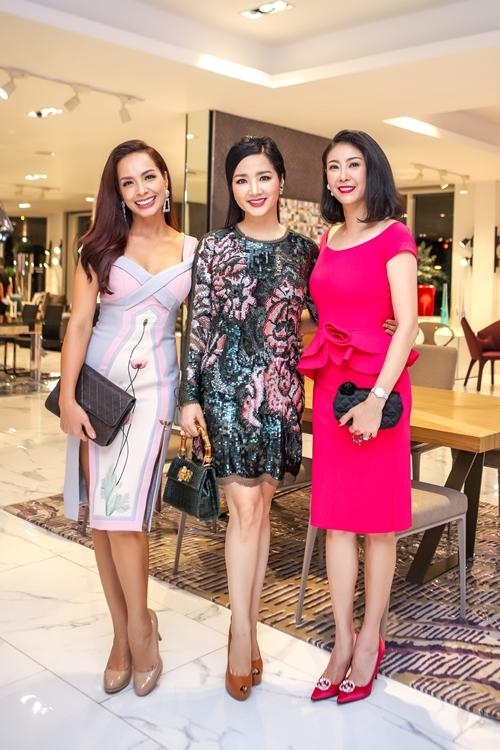 Bộ ba người đẹp Hà Kiều Anh, Thúy Hạnh và Hoa hậu đền Hùng Giáng My đọ sắc vóc.