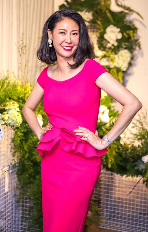 Đăng quang Hoa hậu Việt Nam năm 1992, đến nay Hà Kiều Anh được nhận xét ngày một mặn mà và sắc sảo. Chị thành công trên lĩnh vực kinh doanh và là một người mẹ, người vợ đảm.