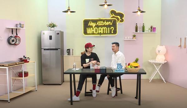 Tối ngày 21/8, ca sĩ Thanh Duy trở thành khách mời của show Hey Kitchen! Who am I? do Gil Lê dẫn dắt trên kênh V Việt Nam của V Live. Trong chương trình, anh chàng không ngần ngại chia sẻ những sở thích, thậm chí cả tật xấu của bản thân.