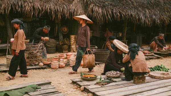 Những làng quê xưa cũng được tái hiện.