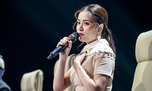 Hoàng Thùy Linh bị chỉ trích gay gắt vì cãi tay đôi với nhà báo