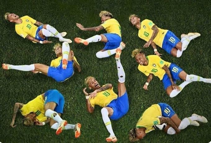 """<p> ... còn được liên tưởng đến <a href=""""https://ione.vnexpress.net/photo/nhip-song/dien-tro-an-va-neymar-mbappe-tro-thanh-de-tai-che-nhao-3774541.html"""">màn ăn vạ </a>của siêu sao người Brazil, Neymar Jr.</p>"""