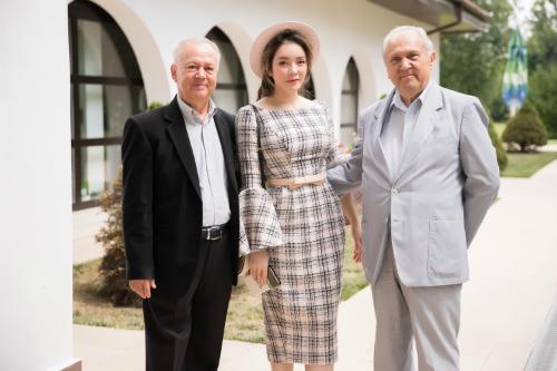 Lý Nhã Kỳ rất bất ngờ khi các lãnh đạo ở đây bày tỏ họ đều biết về cô trước khi cô chính thức có chuyến công du đến Rumani.