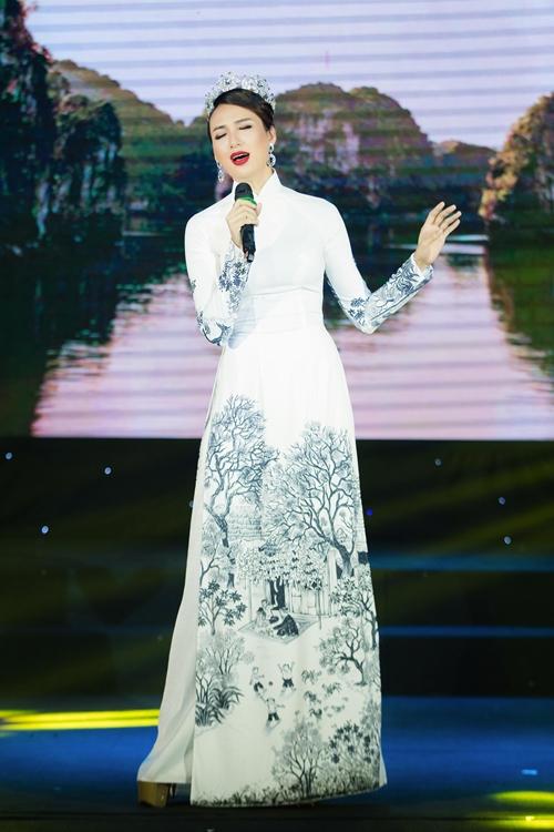 Ngọc Diễm mang đến chương trình âm nhạc của chủ đề Đất mẹ Việt Nam như một lời cảm ơn cũng như gửi thông điệp về tình yêu quê hương, đất nước, con người Việt Nam. Cô không ngại khoe giọng hát trên sân khấu.