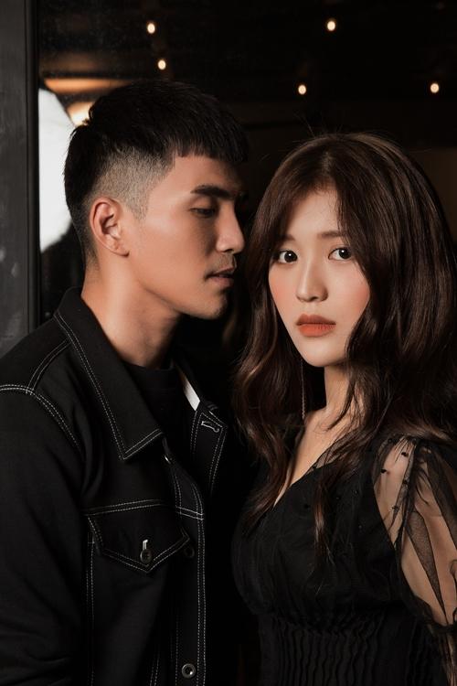 Thừa thắng xông lên, Will bắt tay thực hiện thêm phiên bản mới cho ca khúc. Lần này, anh chàng hợp tác cùng hot girl xứ kim chi Han Sara trong phiên bản Việt - Hàn.