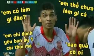 Cầu thủ Bahrain nhận thẻ đỏ trở thành 'trung tâm ảnh chế'