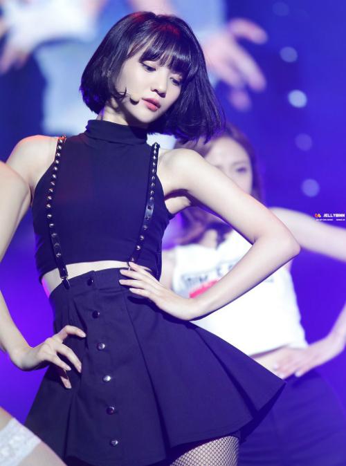 Dù chưa công bố số đo cụ thể nhưng nhiều fan cho rằng Binnie hoàn toàn có thể lọt vào top những nữ thần tượng có vòng 2 nhỏ nhất Kpop hiện nay.