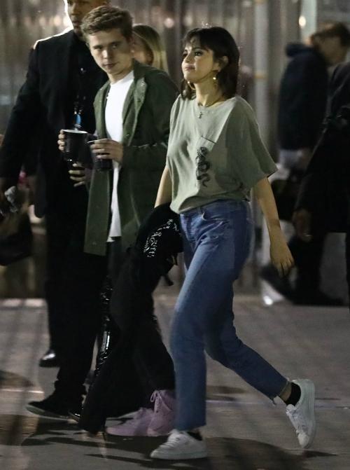 Selena phủ nhận hẹn hò với Caleb Stevens.