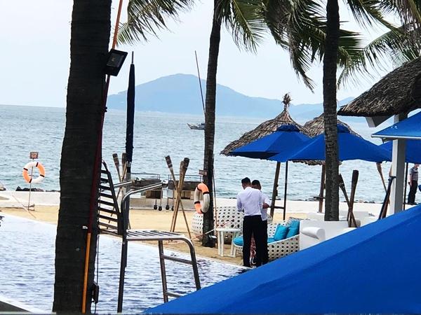 Hiện công tác an ninh được kiểm soát chặt quanh khu vực của một resort tại Hội An.