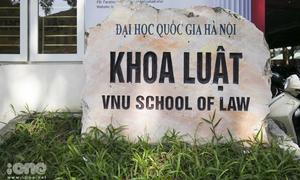 'Chưa đủ cơ sở khẳng định giảng viên khoa Luật gạ tình nữ sinh'