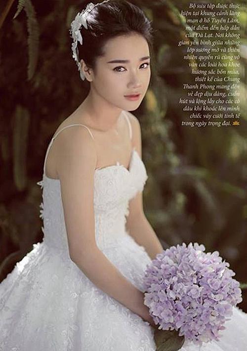 Thay vào đó, bạn gái Trường Giang trông sang trọng, thanh tao hơn hẳn khi khoác lên mình những thiết kế thật đơn giản.